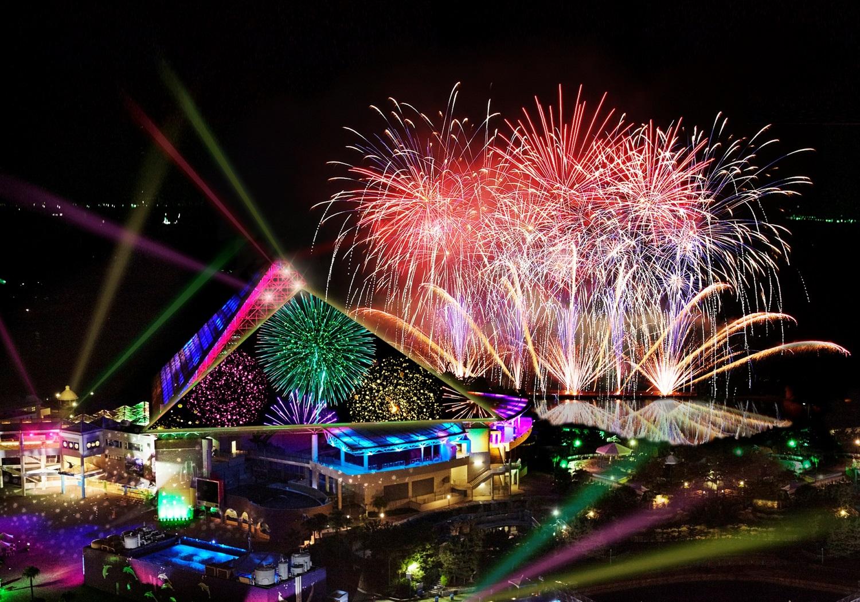 Yokohama Hakkeijima Sea Paradise  Symphony of Fireworks 2018