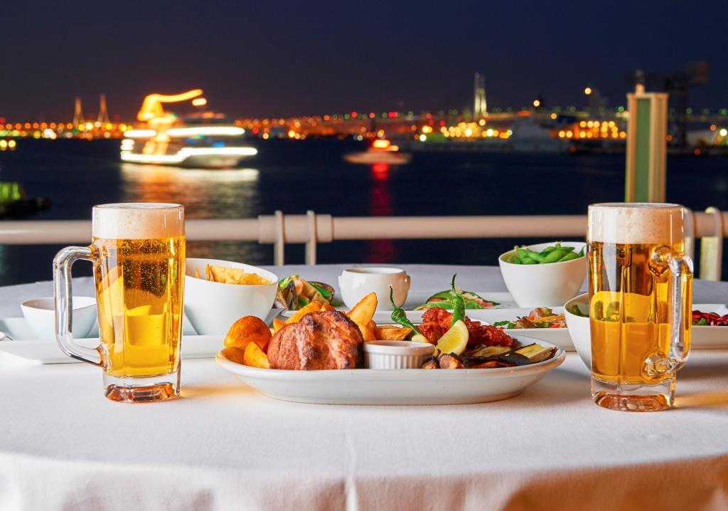 """Ocean-view Beer Garden """"Hama-Beer!"""""""